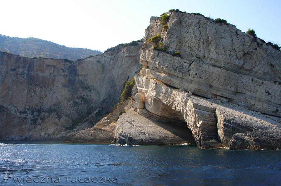 skaliste wybrzeże Keri