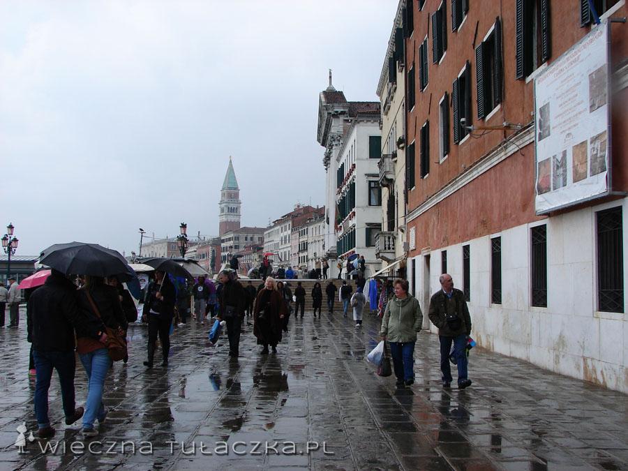 Tutaj większość turystów zaczyna swoją przygodę z Wenecją.