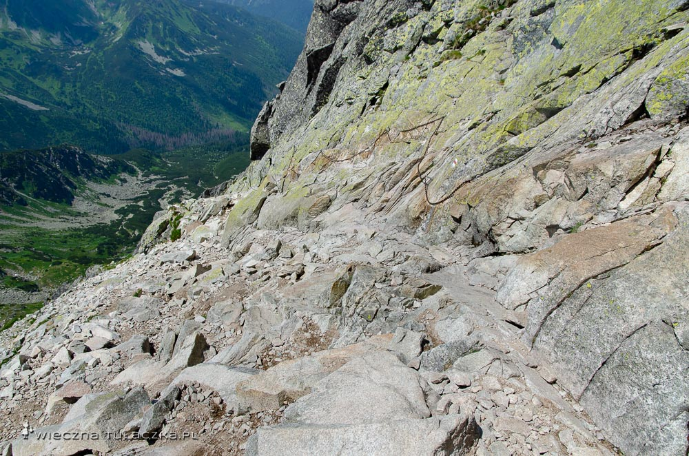 Zejście ze Świnicy na Świnicką Przełęcz