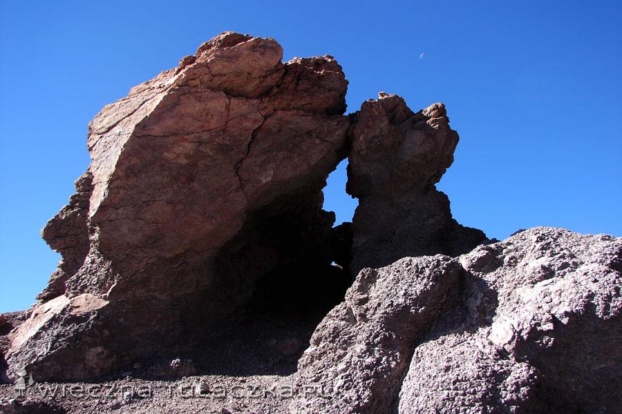 Formacje skalne na szczycie