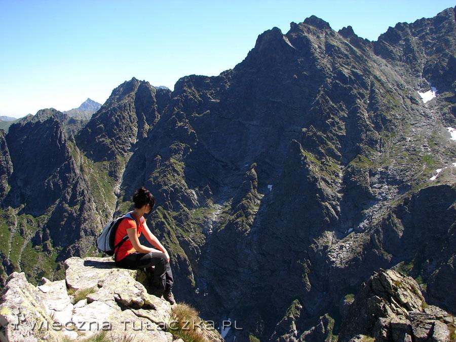 Zawsze gdzieś na szlaku dopada mnie zaduma nad potęgą gór. Tym razem trafiło na Kazalnicę.