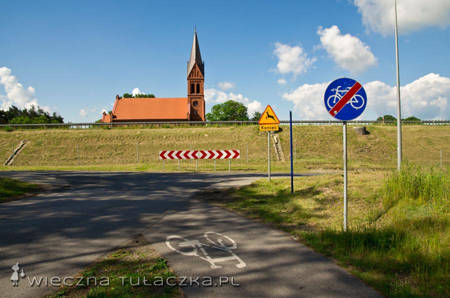 Jest malowniczy kościółek na wzgórzu, jest i wyczekiwany znak kończący swawole dziczyzny :)