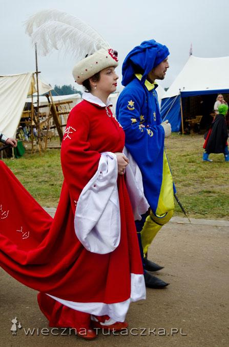 Tutaj patrzycie na autentyczną Młodą Parę :) Ten ślub nie należał do programu imprezy, tak żenią się współcześni rycerze :D