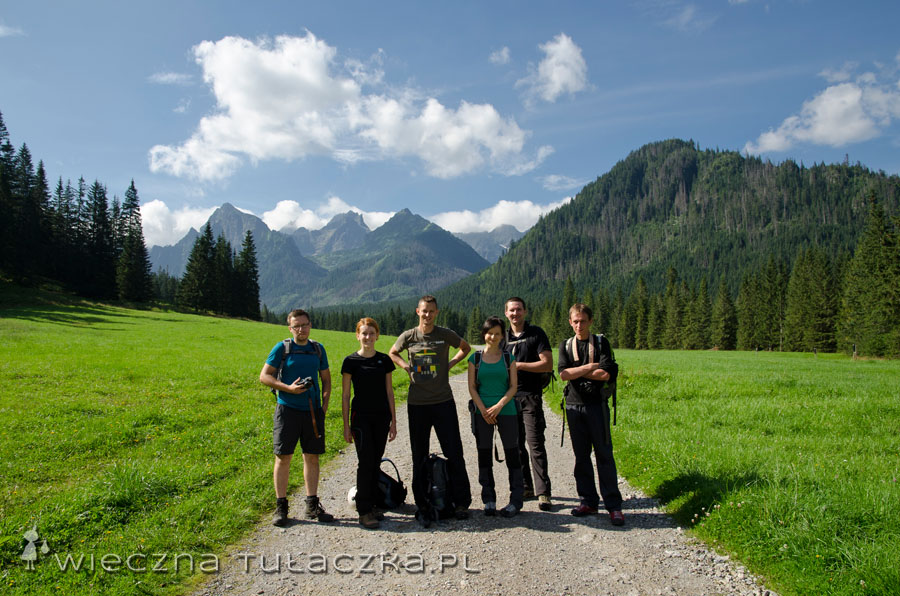 Grupen foto, od lewej: Piotrek, Gosia, Tomek, Madzia, Robert, Janusz :)