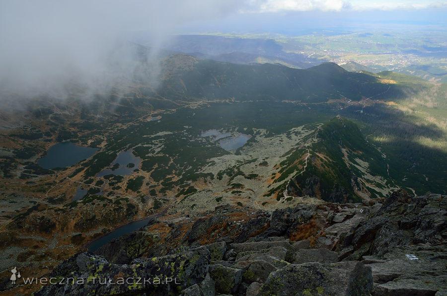 Dolina Gąsienicowa pod naporem chmur.