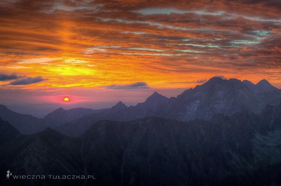 Wschód słońca na Niżnich Rysach
