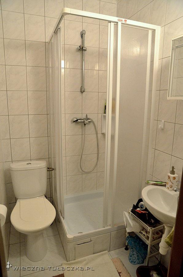 Łazienka ciasna, ale własna ;)