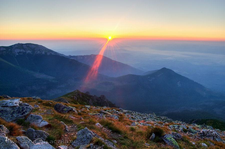 Wschód słońca nad Tatrami Bielskimi