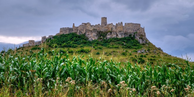 Zamek Spiski – perła średniowiecznej architektury na Słowacji