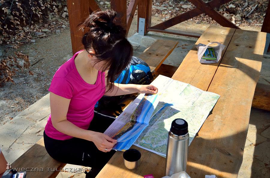 Chwila przerwy na oragnięcie mapy i panoram wudawnictwa WiT. O mapach pisałam tutaj. http://www.wiecznatulaczka.pl/jak-wybrac-dobra-mape-gory/