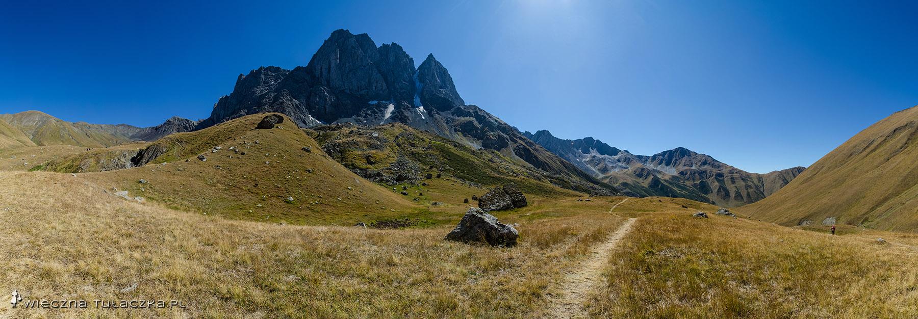 Masyw Chaukhi, Gruzińskie Dolomity