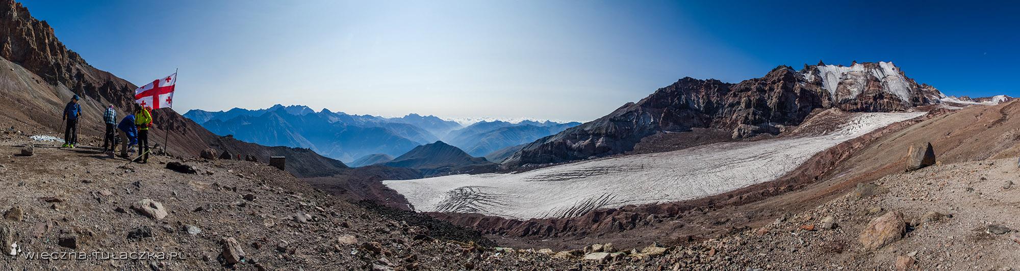 Panorama z bazy pod Kazbekiem