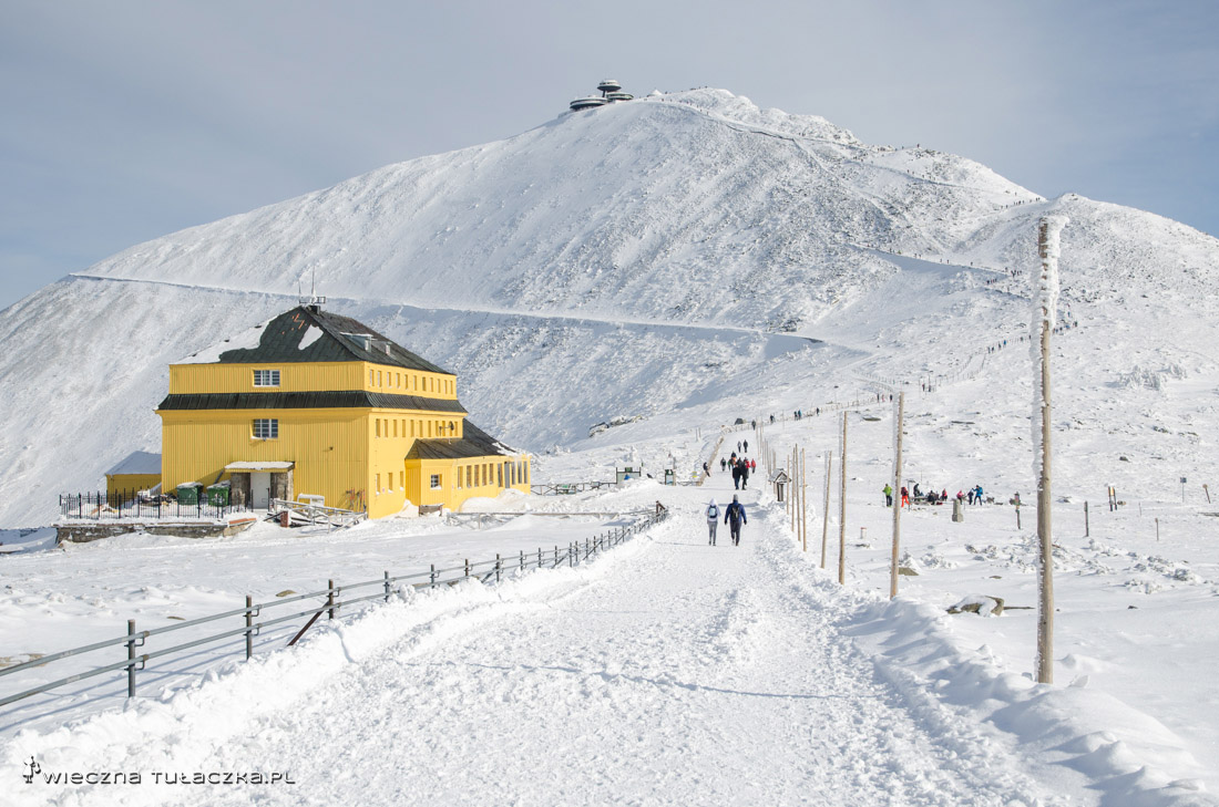 Przełęcz pod Śnieżką i Sląski Dom