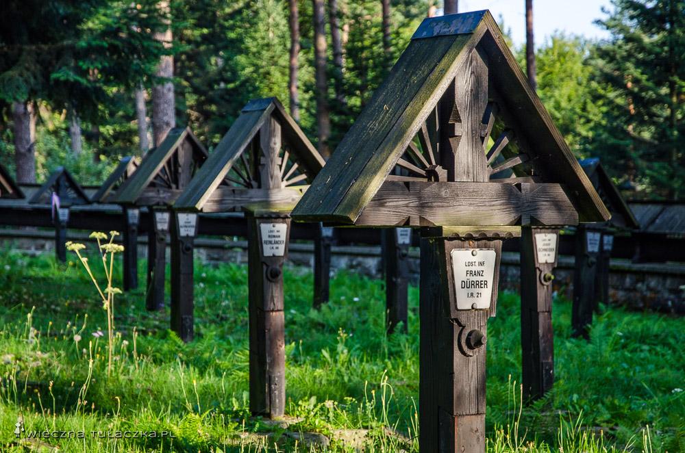 Cmentarz wojenny na Przełęczy Małastowskiej