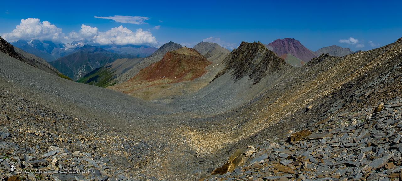 Panorama z przełęczy Esikomi