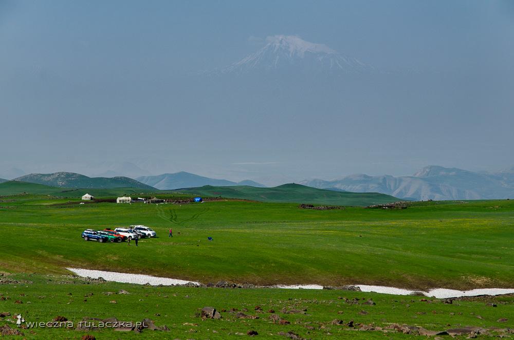Ararat, widok spod góry Azhdahak