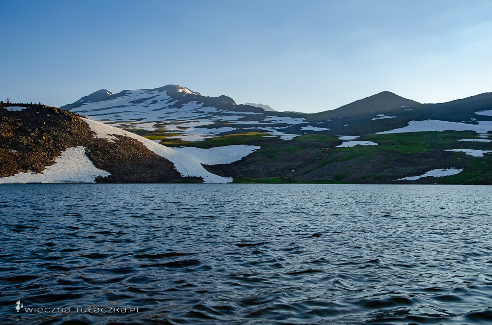 Aragac znad jeziora Kari