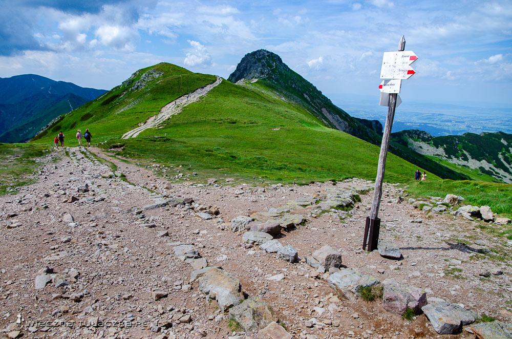 Przełęcz Liliowe (1952 m) w Tatrach