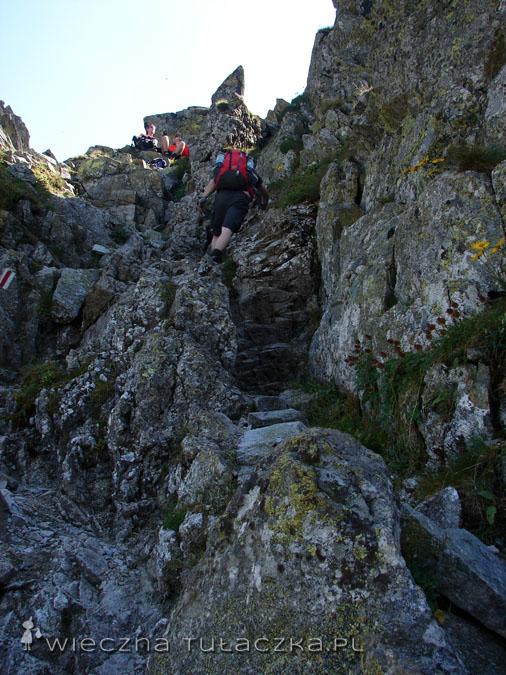 Tak to wygląda z bliska, ot zwykłe przejście wśród skał
