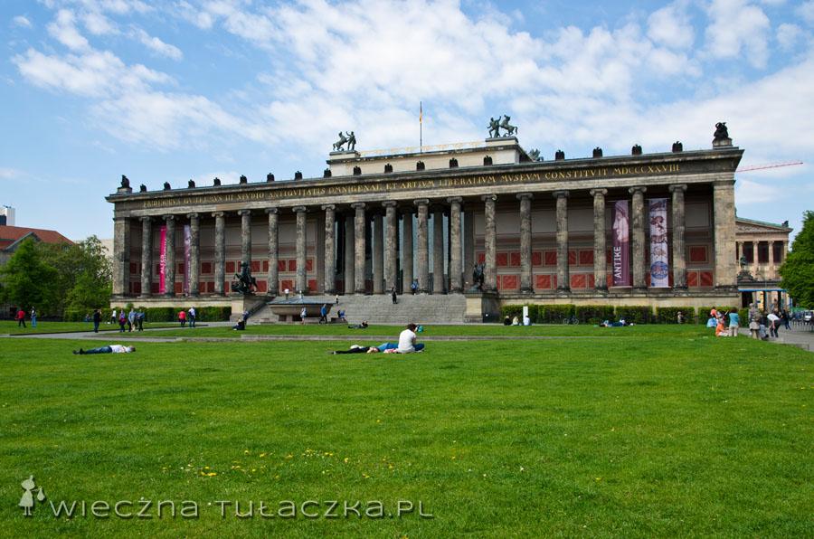 Stare Muzeum t pierwsze publiczne muzeum na terenie Prus. Budynek z 1830 roku zaprojektował Schinkel.