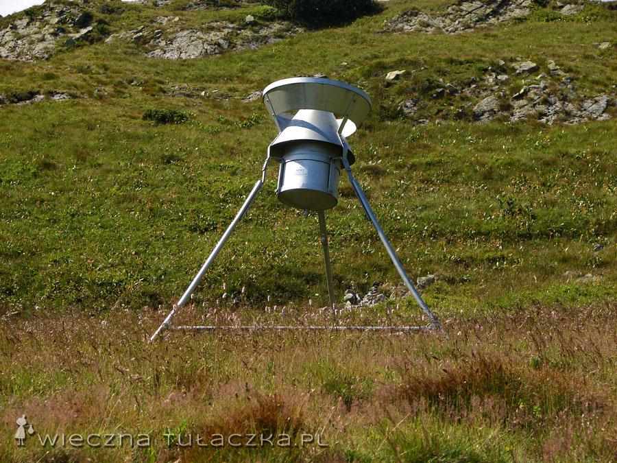 A pod przełęczą UFO! Wiedzieli skubańcy gdzie wylądować... ;)