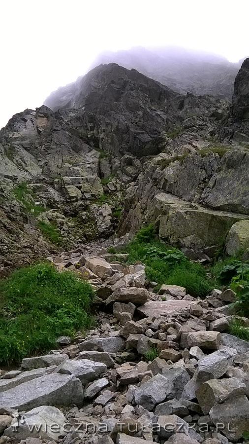 ... i z dalsza (szlak prowadzi rynną po prawej stronie zdjęcia) :)