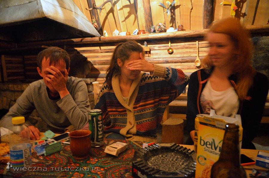 W sumie dobrze, że nie widać twarzy, bo by mnie zaraz zjedli za pokazywanie pamiątek z wieczorków w grillowni ;)