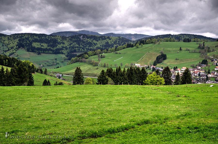 Zalesione wzgórza górujące nad malowniczymi dolinami to raj dla piechurów.