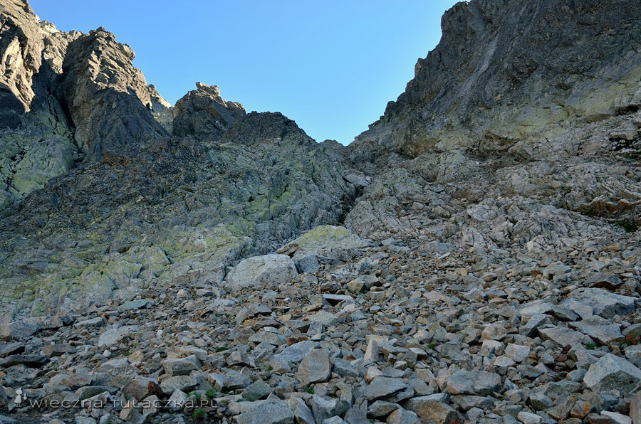 Droga na Baranie Rogi - żleb wyprowadzający na Baranią Przełęcz