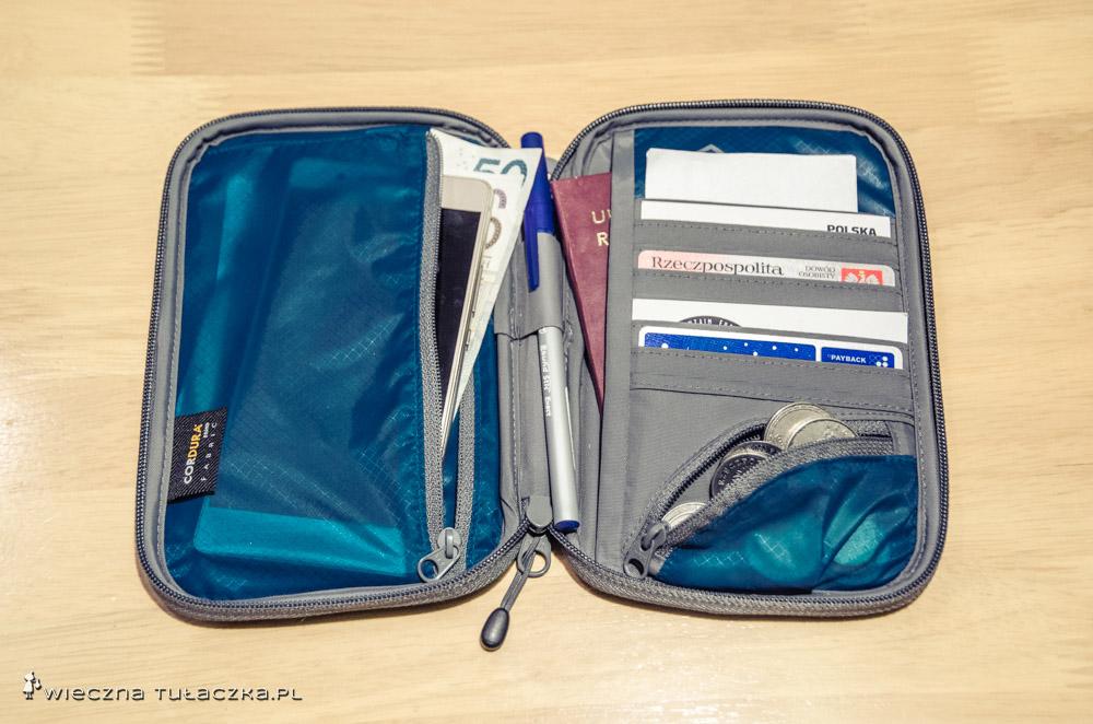 Portfel z serii Travelling Light Travel Wallet RFID