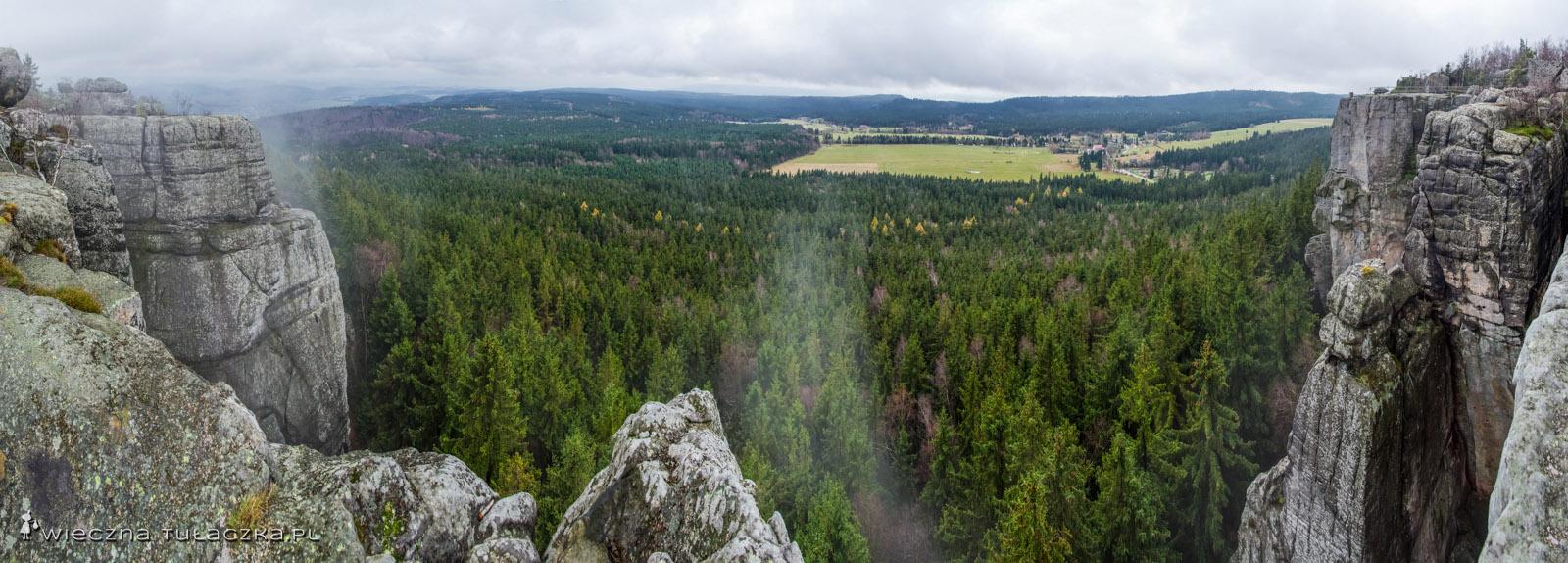 Panorama z tarasów południowo-wschodnich