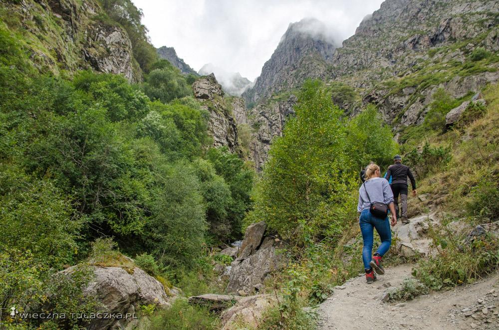 Wodospady Gveleti w Gruzji