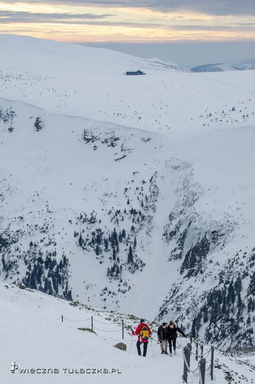 Luční bouda ze szlaku na Śnieżkę