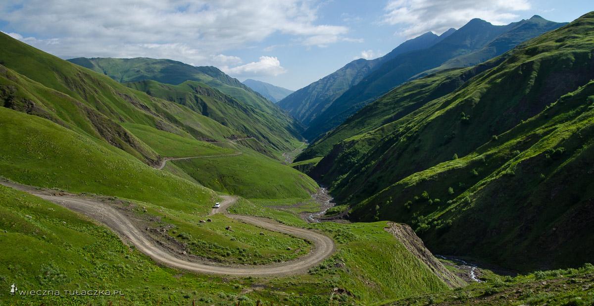 Droga na przełęcz Datvisjvari