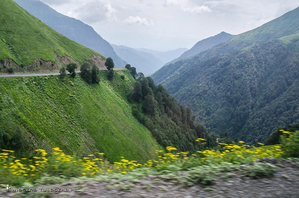 Droga do Omalo w Tuszetii