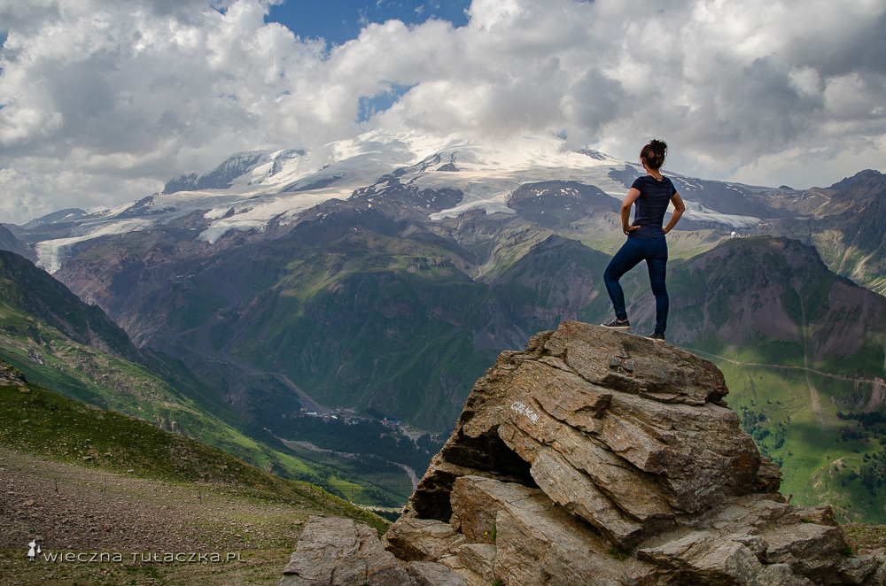 Góra Czeget, widok na Elbrus