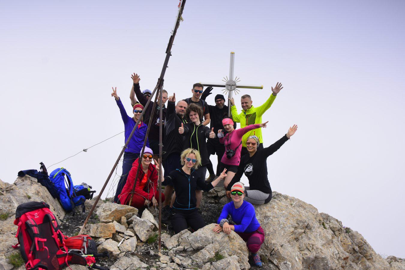 Szczyt Khustup - opis trekkingu
