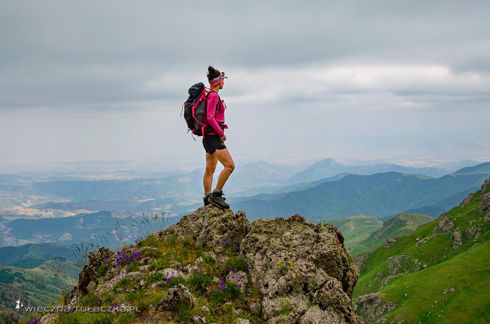 Trekking na górę Khustup
