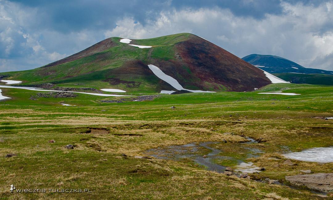 Trekking w Górach Gegamskich
