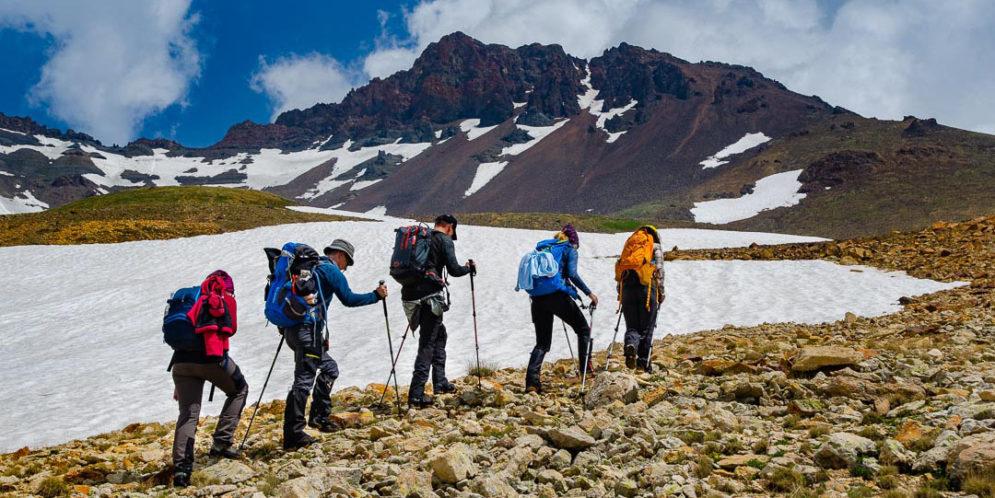 Trzy szczyty Armenii: Khustup, Azhdahak i Aragac